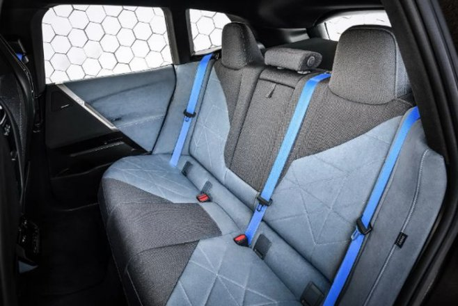 BMW iX - электрический аналог X5 (обзор)