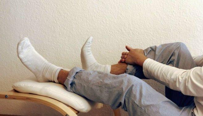 Медики утверждают: ложишься спать - сними носки