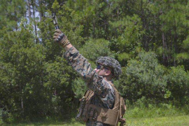 В США тестируют многофункциональные гранаты-дроны для морской пехоты