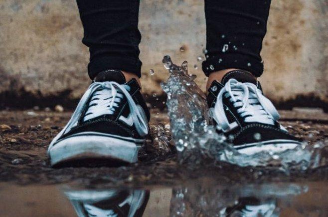 Как эффективно высушить влажную обувь и не повредить её