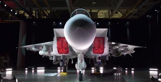Boeing презентовал миру усовершенствованные истребитель F-15 QA Ababil