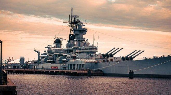 Новое несмертельное оружие ВМС США лишит вас дара речи