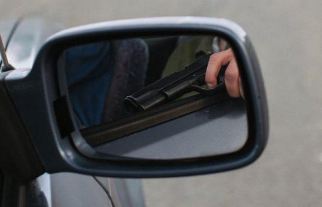 Как обнаружить пистолет у человека под одеждой